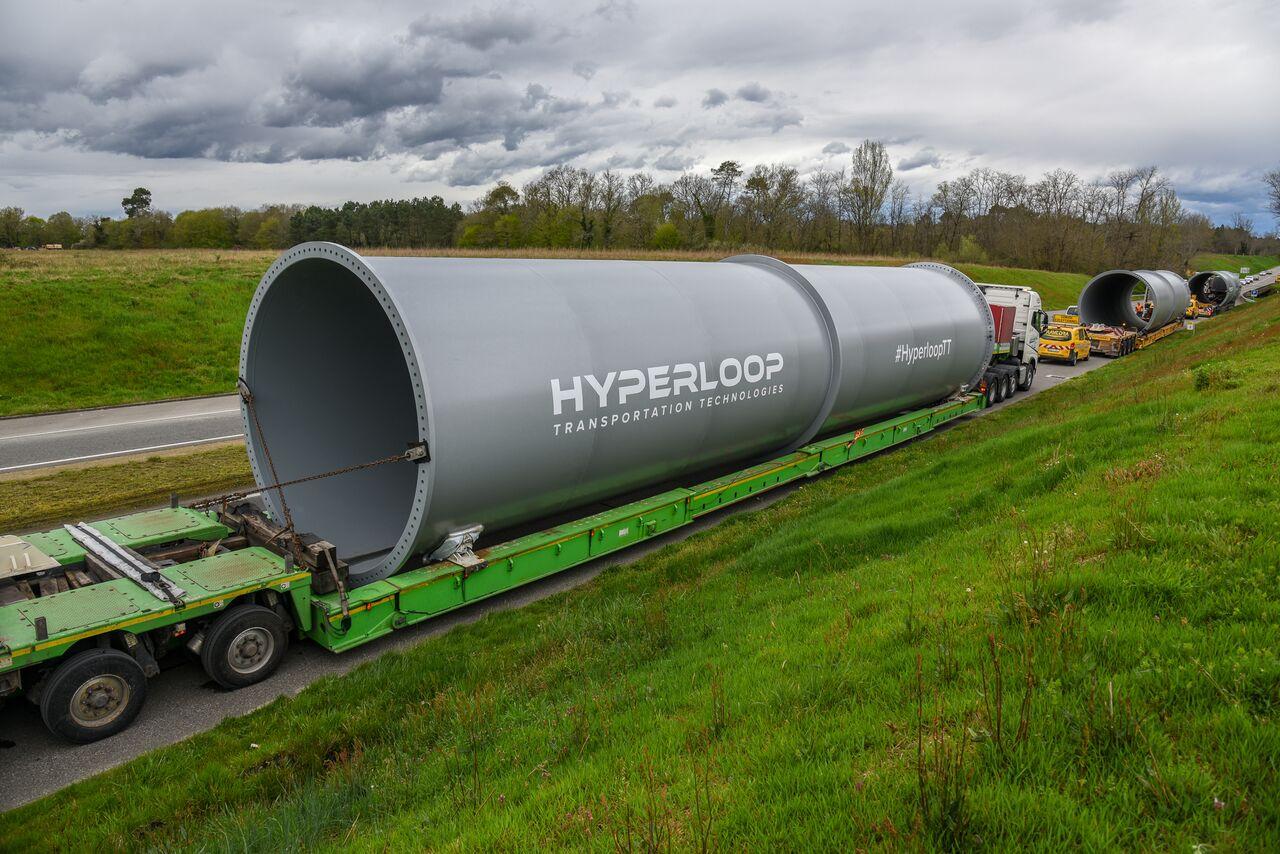 Hyperloop acuerda con Emiratos Árabes el desarrollo del primer sistema comercial