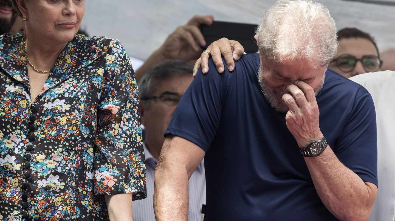 Lula da Silva junto a su sucesora, Dilma Rousseff, ante los seguidores del PT, en Sao Bernardo do Campo, cerca de Sao Paulo.