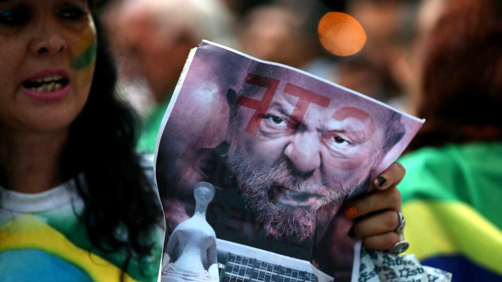 Miles de brasileños, contra el habeas corpus de Lula da Silva.
