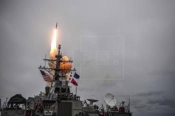 Imagen de octubre de 20017 del lanzamiento de un misil desde el USS Donald Cook de EEUU.