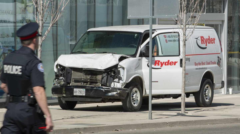 La furgoneta que ha provocado el atropello mortal en Toronto.