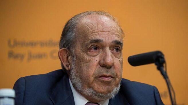 Enrique Álvarez Conde, catedrático de Derecho Constitucional y director del máster en el que se matriculó Cristina Cifuentes.
