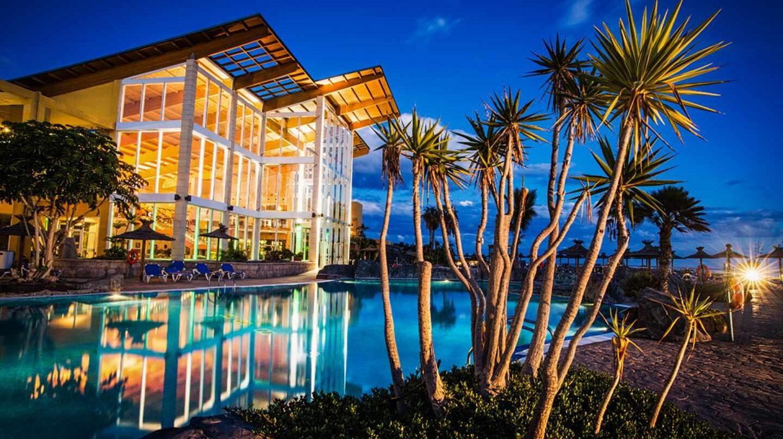 Blackstone negocia la compra de Hispania para crear un gigante inmobiliario.