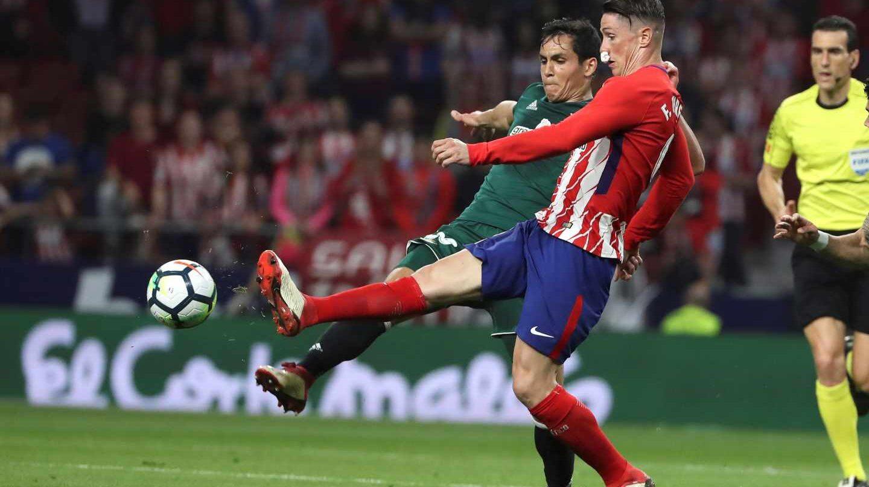 Partido de Liga disputado entre el Atlético de Madrid y el Betis.