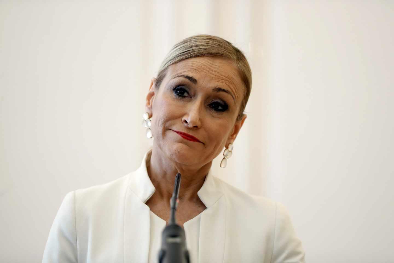 La presidenta de la Comunidad de Madrid, Cristina Cifuentes, en la comparecencia en la que ha anunciado su dimisión.