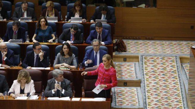 Cristina Cifuentes, durante el pleno de la Asamblea de Madrid.