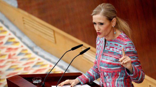 Cristina Cifuentes, durante su intervención en el pleno de la Asamblea.