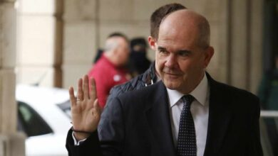 El juez imputa a Chaves y Zarrías por un préstamo irregular de 3,7 millones
