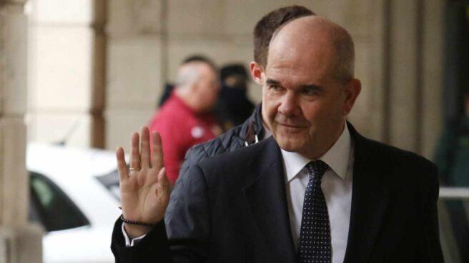 Manuel Chaves, presidente de la Junta de Andalucía entre 1990 y 2009, llegando a la Audiencia de Sevilla para el juicio de los ERE.