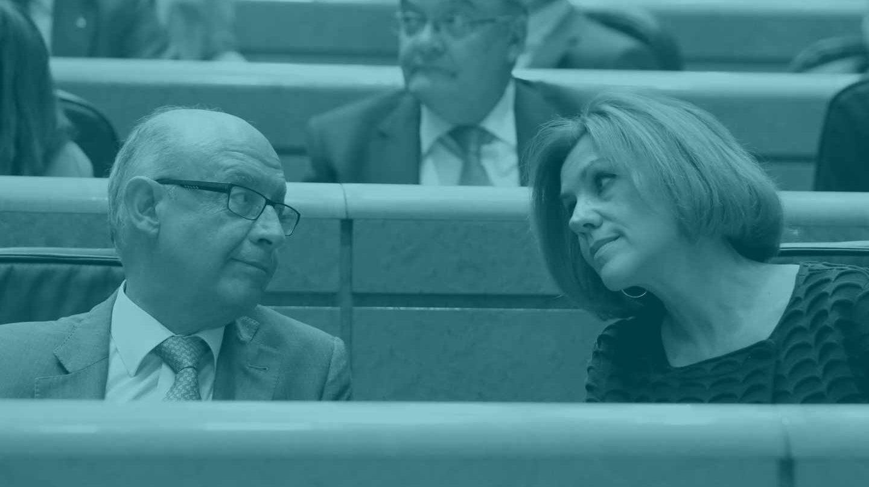 Cristóbal Montoro y María Dolores de Cospedal, en el Senado.