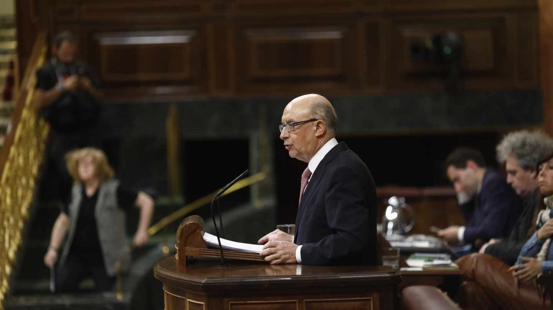 El ministro de Hacienda, Cristóbal Montoro, defiende los Presupuestos para 2018.