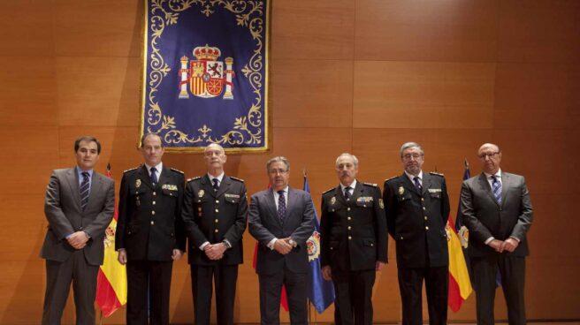 Peña Echeverría (segundo por la izquierda), con la cúpula de Interior el día que tomó posesión como jefe central de Recursos Humanos.