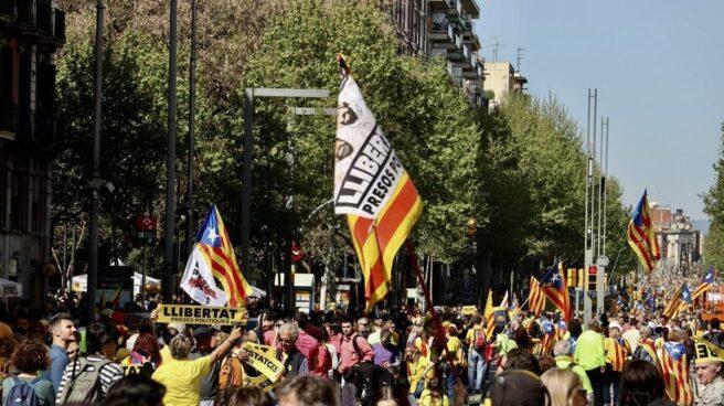 Los independentistas llenan las calles de Barcelona con el apoyo de los sindicatos