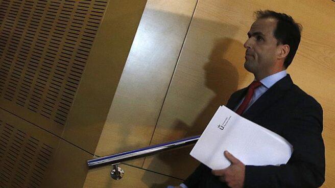 El rector de la URJC, Javier Ramos, tras una conferencia de prensa durante el escándalo de Cifuentes.