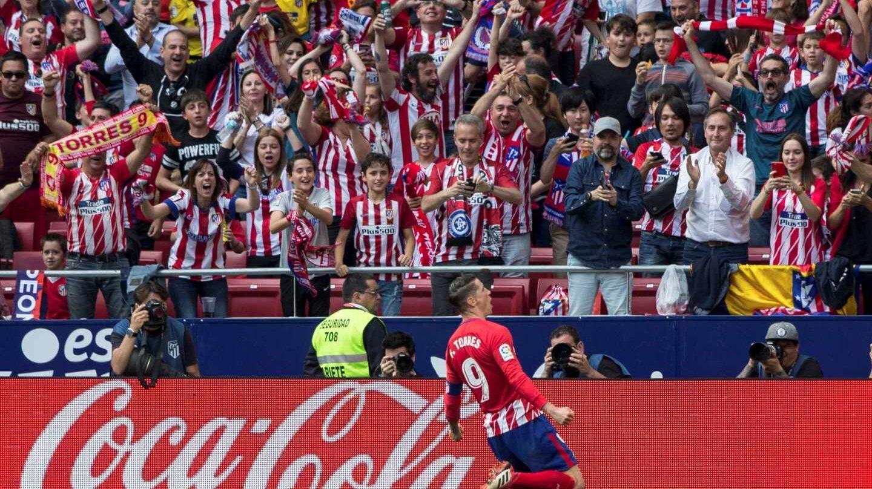 Fernando Torres, celebra un gol en su último partido como jugador del Atlético de Madrid.