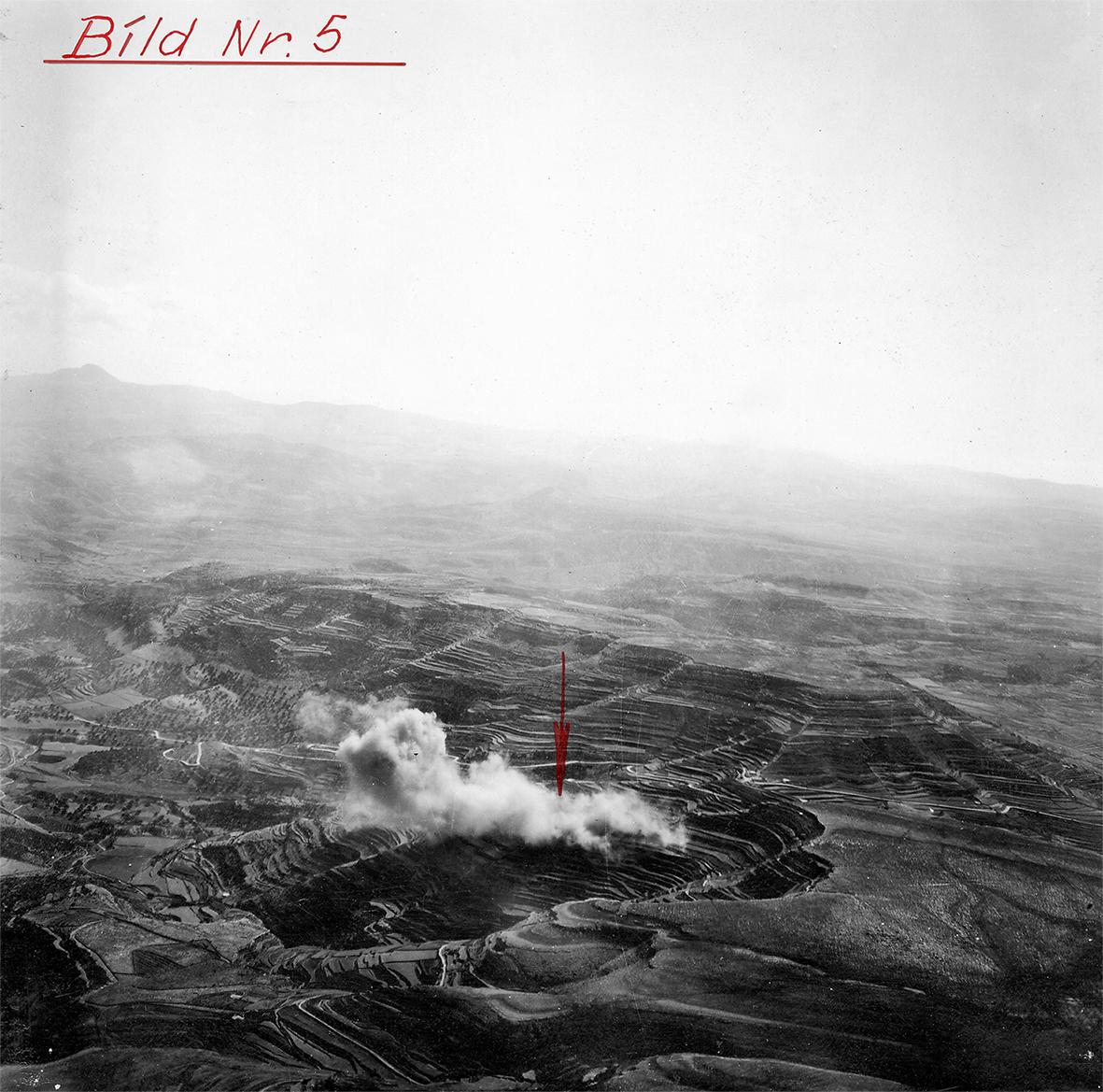 Fotografía aérea de Ares del momento del impacto.