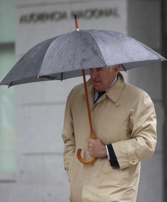 Caso Gürtel: el ex tesorero del PP Luis Bárcenas llega a la Audiencia.