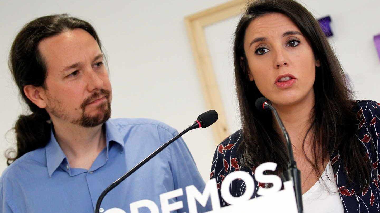 Pablo Iglesias e Irene Montero en rueda de prensa.