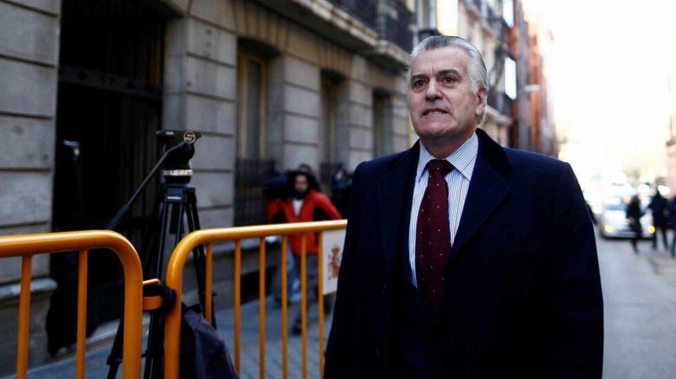 El ex tesorero del PP Luis Bárcenas, dirigiéndose a la Audiencia Nacional.