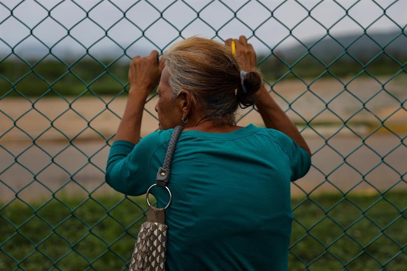 Una mujer, pariente de un recluso venezolano, en la Comunidad Peniteciaria Fénix, estado de Lara.