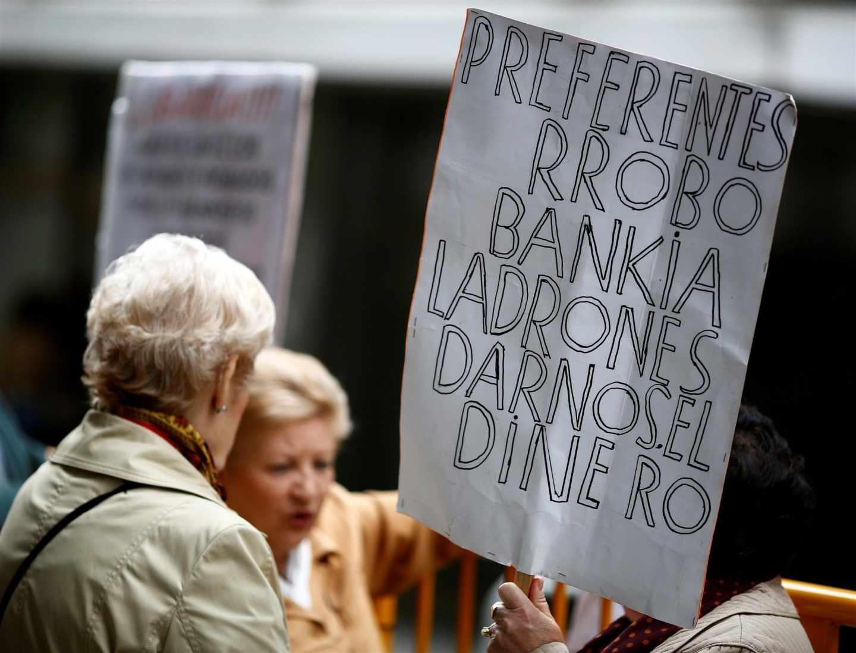 Protestas por el escándalo de las preferentes.