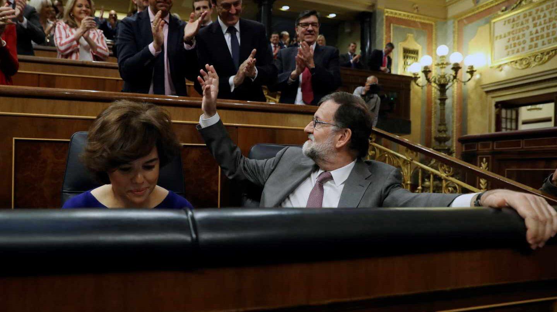 Mariano Rajoy, ovacionado por el grupo popular en el Congreso.