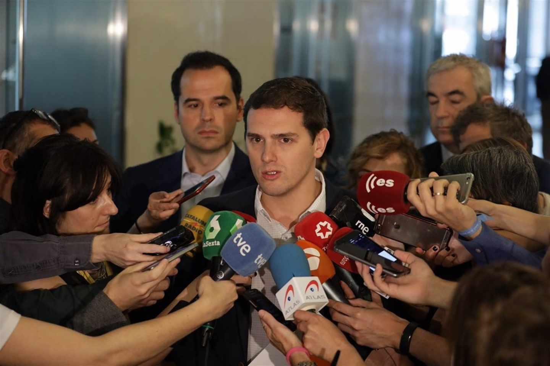 Rivera pide a Rajoy que rectifique y se siente con Ciudadanos para analizar cómo extender el 155 en Cataluña
