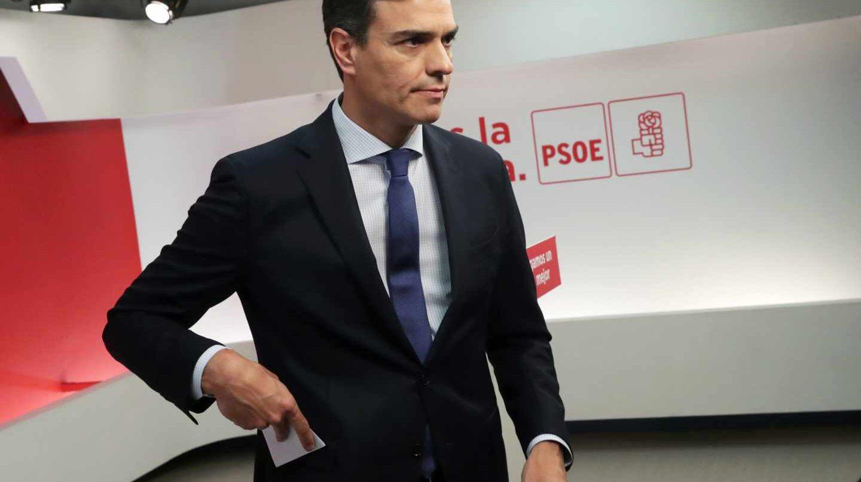 Pedro Sánchez, tras anunciar en Ferraz la moción de censura que le llevaría a la Presidencia del Gobierno.