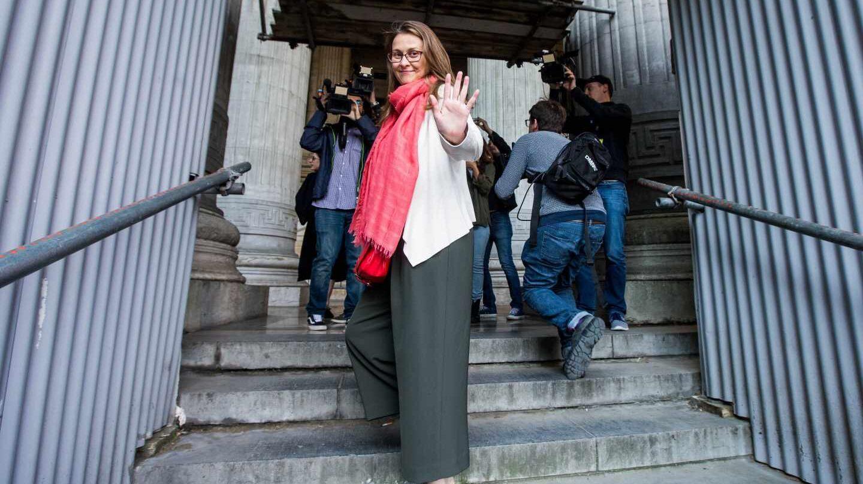 La ex consejera huida Meritxell Serret, a su llegada al tribunal en Bruselas.