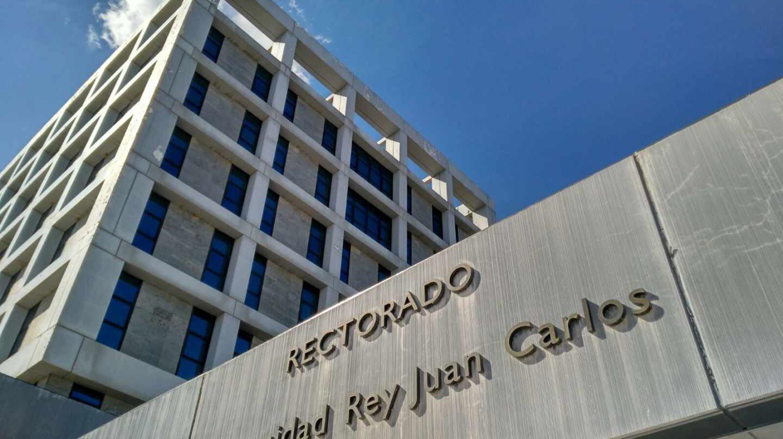Fachada del edificio del Rectorado de la Universidad Rey Juan Carlos en Móstoles.