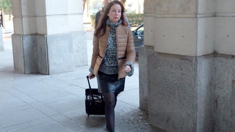 La magistrada Mercedes Alaya, llegando a la Audiencia de Sevilla.