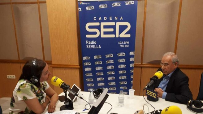 Alfonso Guerra, en una entrevista en la Cadena Ser.