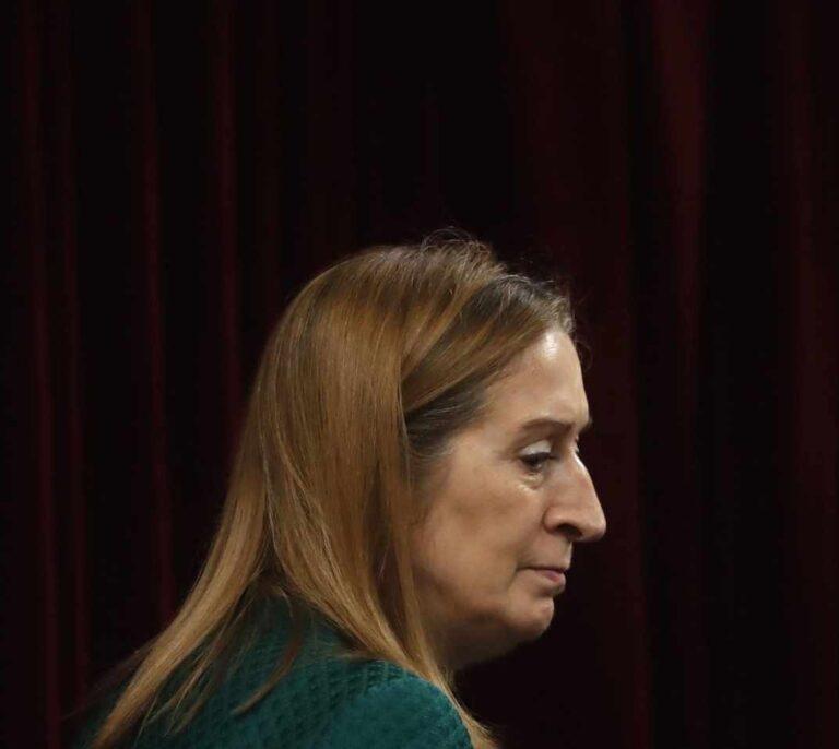 """Ana Pastor (PP) insinúa a Illa que dimita: """"Reflexione pero desde casa. Su tiempo pasó ya, señor ministro"""""""