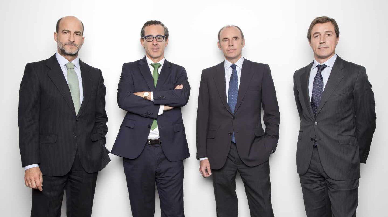 Sergio Fernández-Pacheco, Álvaro Guzmán de Lázaro, Beltrán Parages y Fernando Bernad, fundadores de azValor.