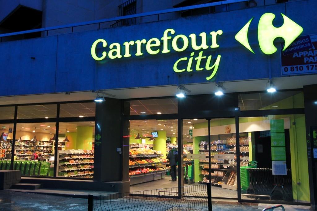 Las cadenas de supermercados reclaman libertad de horarios.