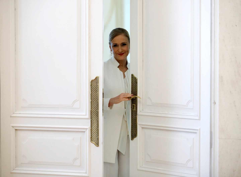 Cristina Cifuentes, instantes después de anunciar su dimisión como presidenta de la Comunidad de Madrid.