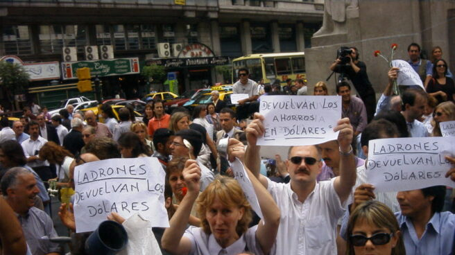 Argentina: Protesta en 2002 en Buenos Aires por el corralito.