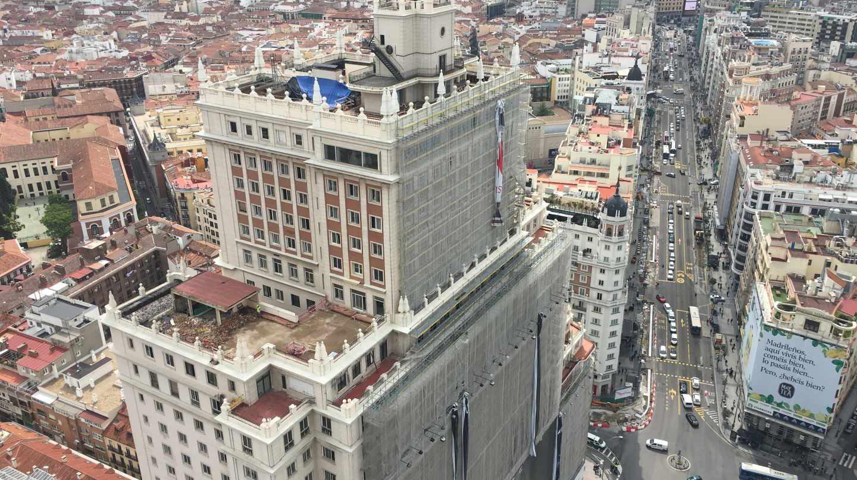 Edificio España, propiedad de Riu en obras en 2018