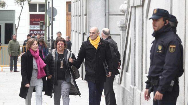 Carme Forcadell, Dolors Bassa y Raül Romeva, antes de entrar al Tribunal Supremo.