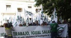 Movilización de funcionarios para exigir la subida salarial desde el 1 de enero de 2020