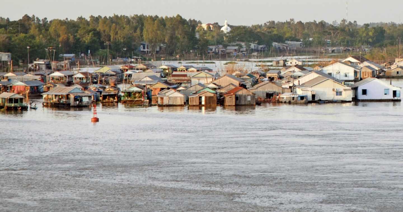 Granjas de panga en el delta del Mekong