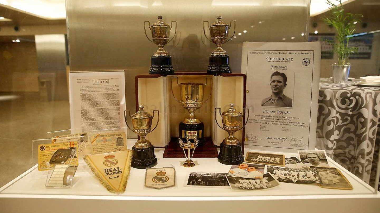 Homenaje a Puskas Real Madrid.