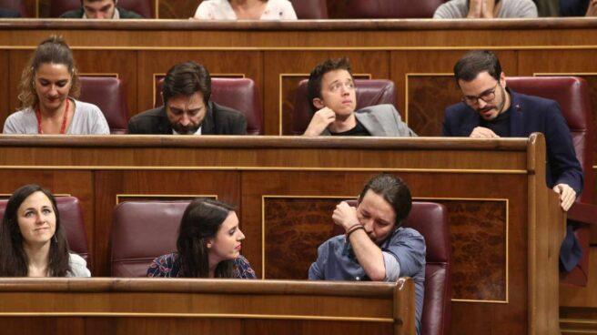 Iglesias rompe a llorar al mencionar las torturas de Billy el Niño.