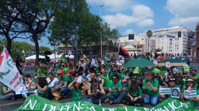 Manifestación de interinos en Sevilla.