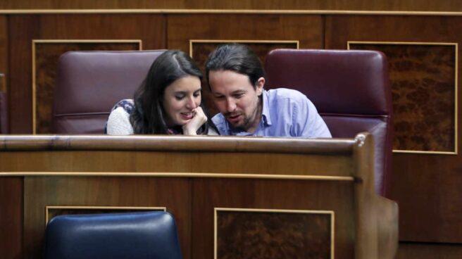 Irene Montero y Pablo Iglesias, este lunes en el Congreso de los Diputados.