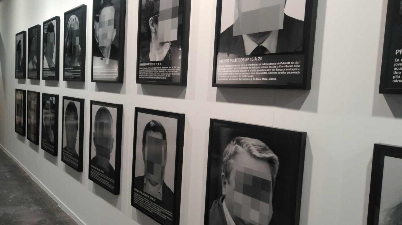La obra 'Presos Políticos' de Santiago Sierra.