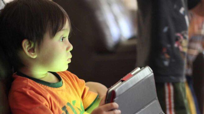 Uso de móviles y pantallas en niños