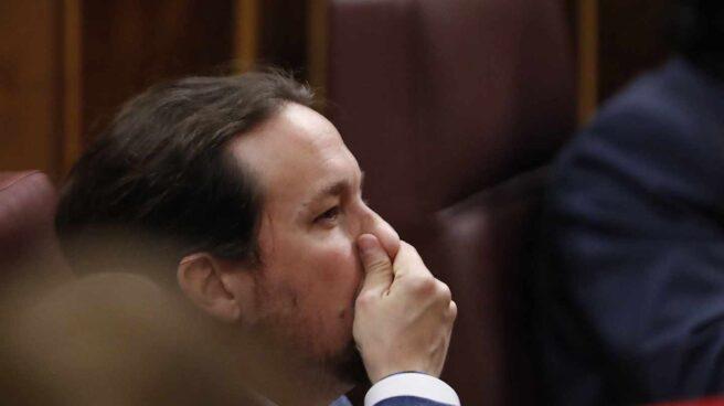 El líder de Podemos, Pablo Iglesias, en su escaño del Congreso.