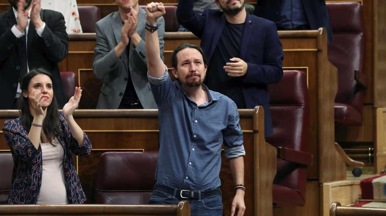 El líder de Podemos, Pablo Iglesias, se emociona y rompe a llorar en el Congreso al hablar de Billy el Niño.