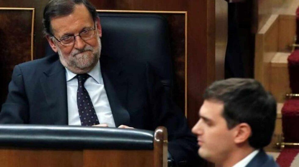 Rajoy y Rivera durante una sesión parlamentaria